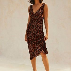 NEW Ohh La La Bias Midi Dress Printed Sleeveless F
